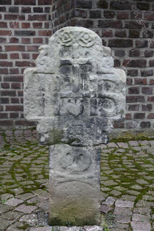Sandsteinkreuz12