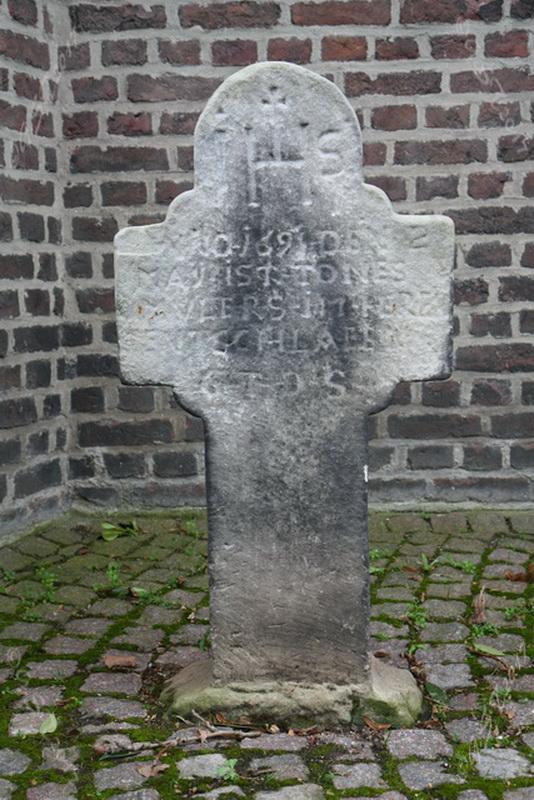Sandsteinkreuz1