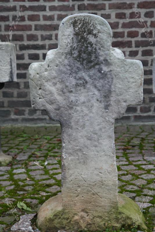 Sandsteinkreuz2