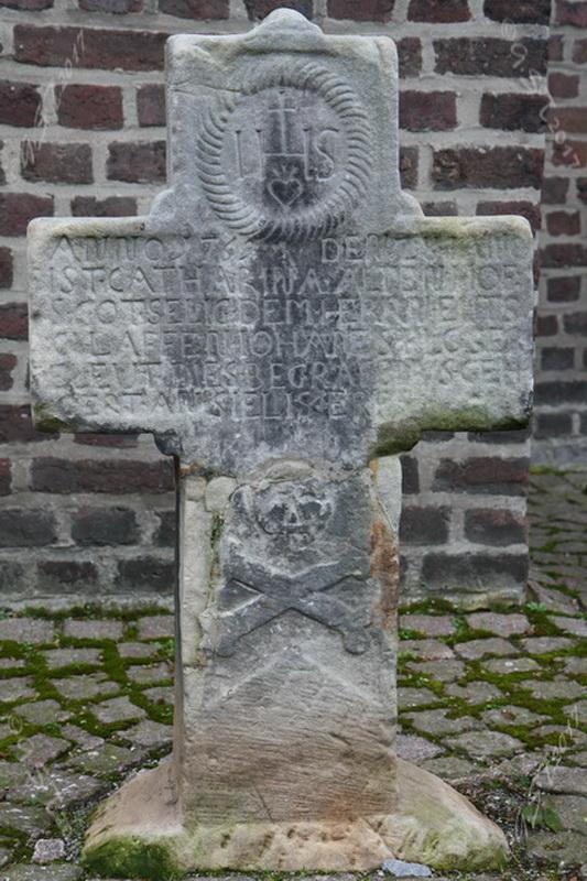 Sandsteinkreuz5