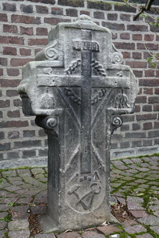 Sandsteinkreuz6