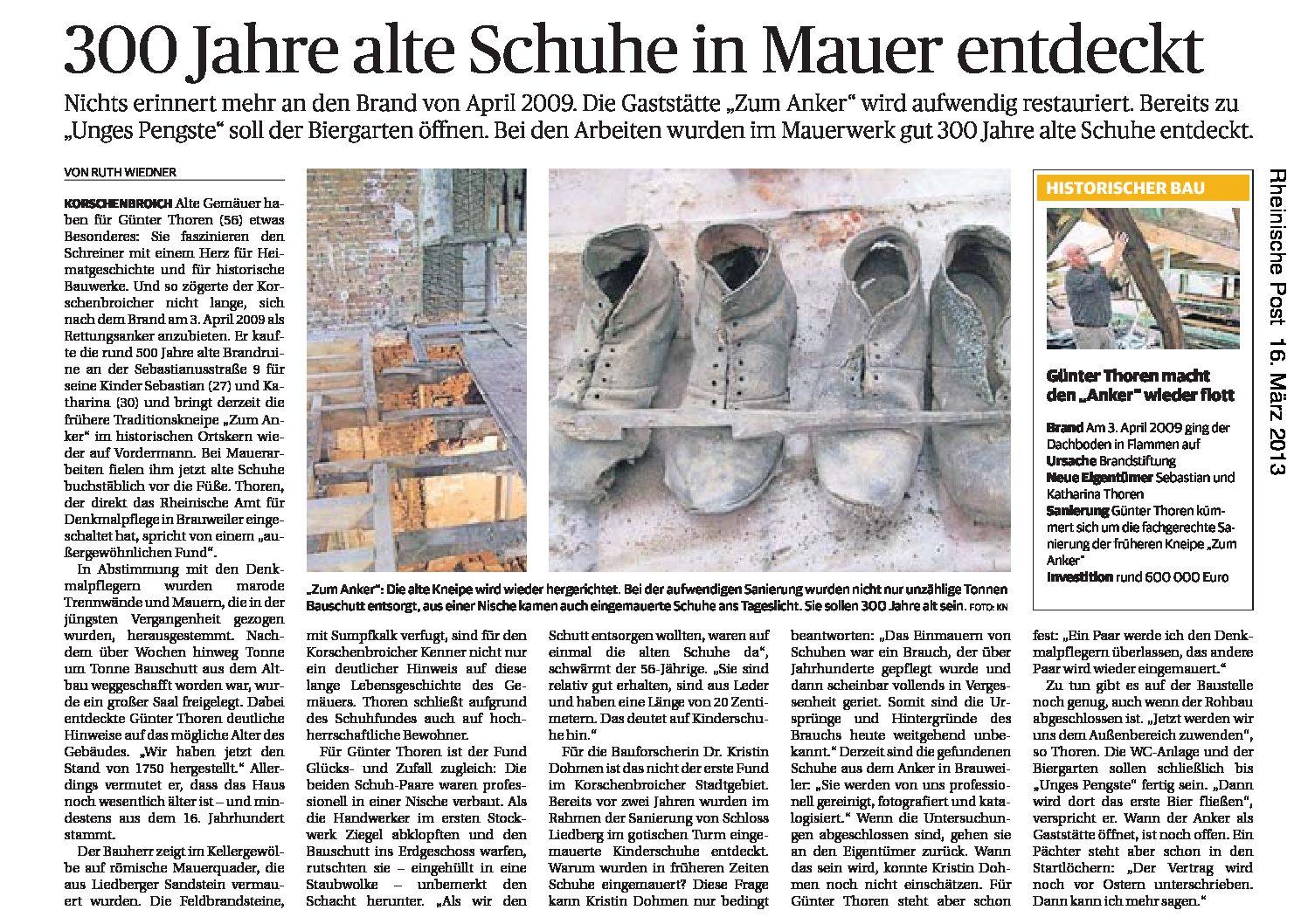 Schuhe in Mauer entdeckt